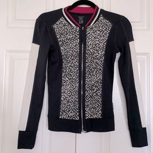 MARC CAIN Sports long sleeve top, size S